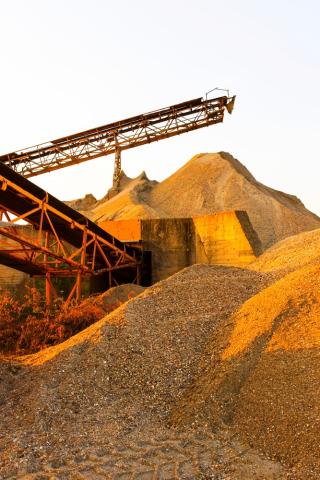 Shutterstock_152684429gravel mine